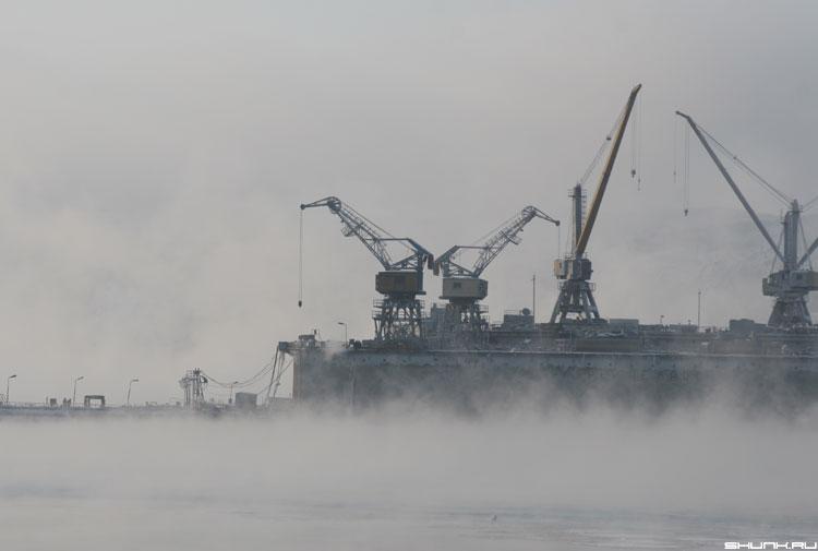 Мурманский порт - портовые краны порт мурманск зима туман пар фото фотосайт
