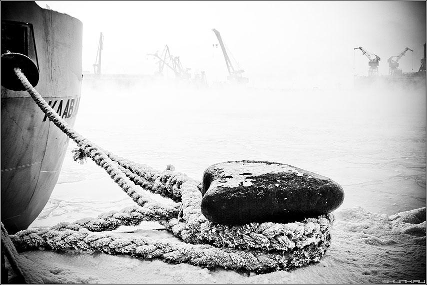 Клавдия Еланская - тросы причал корабль зима порт мурманск фото фотосайт