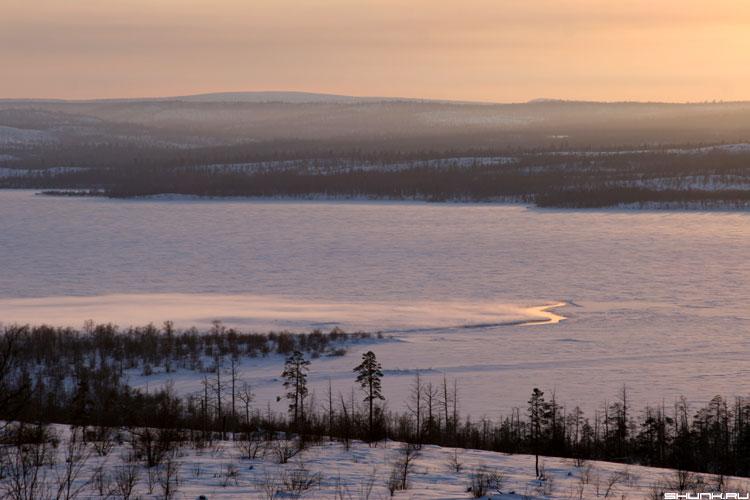 Закатные просторы - норвегия озеро закат небо просторы граница фото фотосайт