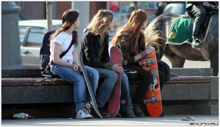 Скейтбордистки - девушки со скейтбордами фото фотосайт
