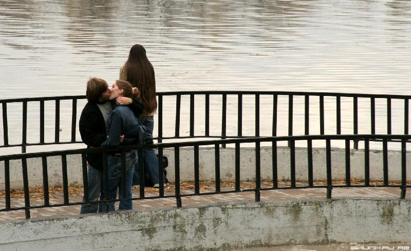 Сердца трех - трое на мосту фото фотосайт