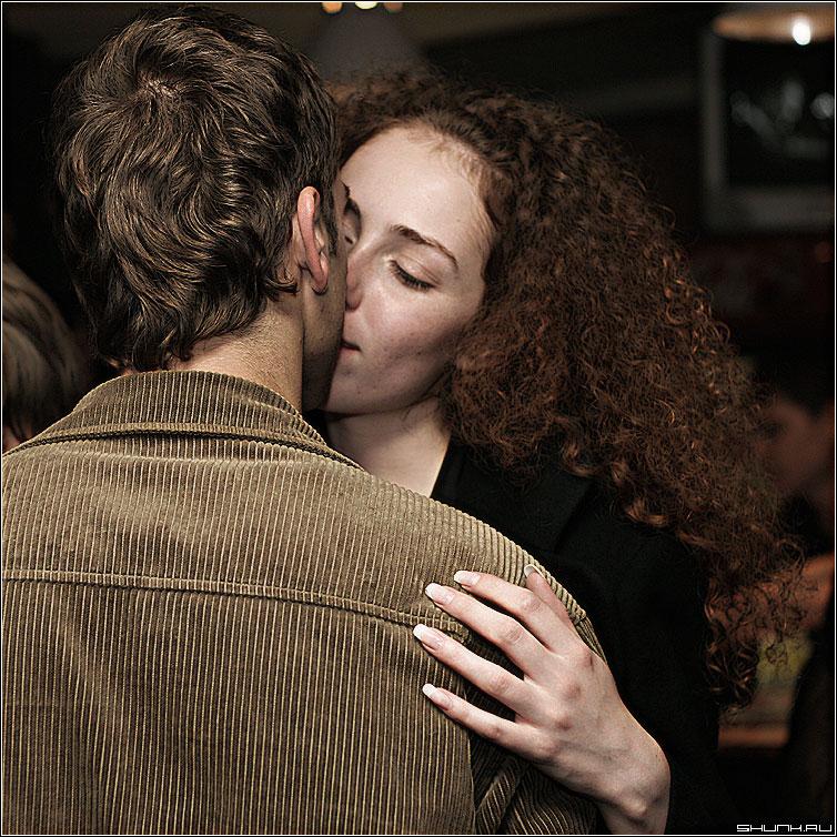 В поцелуе - двое поцелуй фото фотосайт