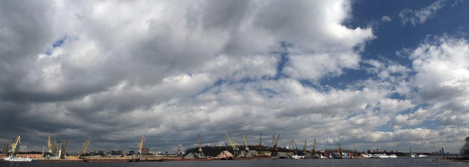 НЕБО!!! - небо река порт краны фото фотосайт