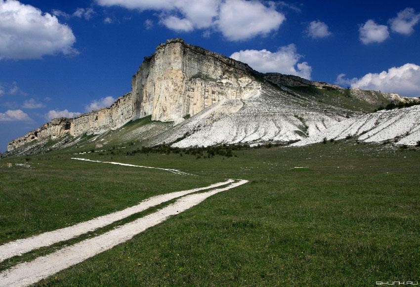 У подножия Белой Скалы - Белогорск меловые породы фото фотосайт