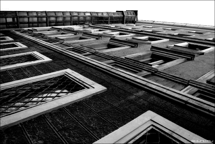 Под другим углом - город лифт дом чб фото фотосайт