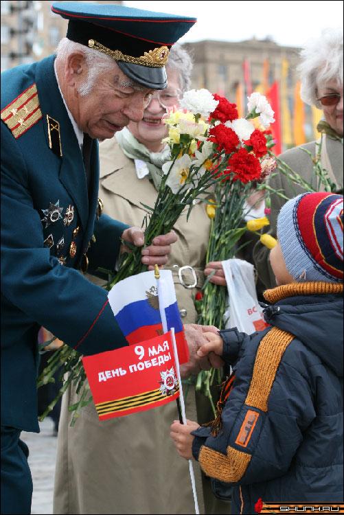 Поздравления - 9 мая день победы поклонная гора ветераны фото фотосайт