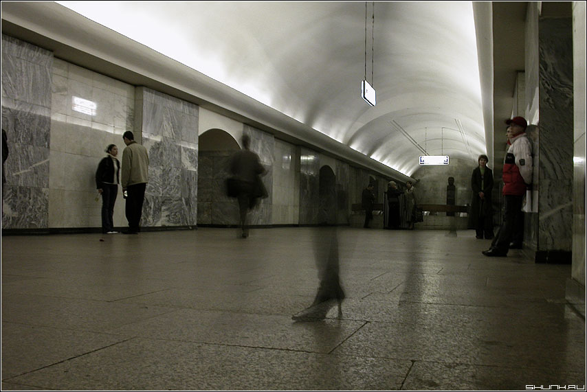 Каблук - метро каблук нога фото фотосайт