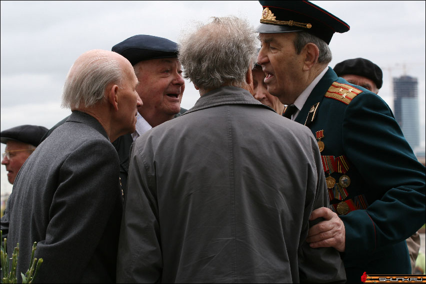 Однополчане - 9 мая день победы поклонная гора ветераны фото фотосайт
