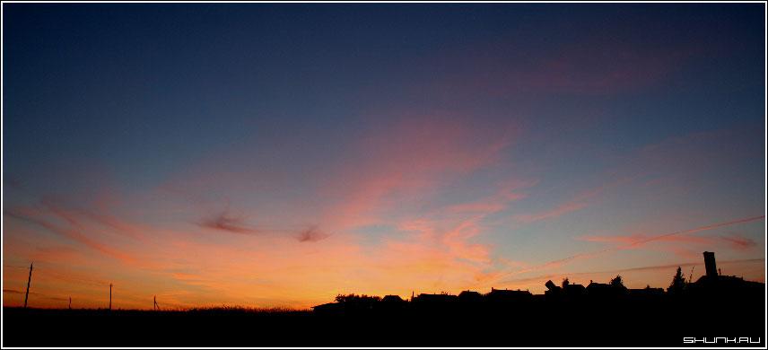 Один из 1000 закатов - небо закт деревня трубы домов фото фотосайт