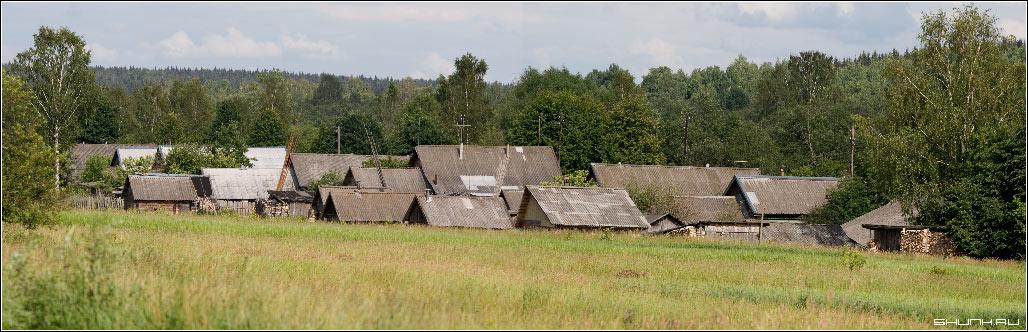 Дворы - деревня поле домишки фото фотосайт