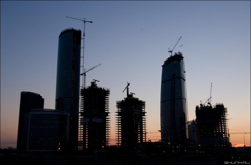 Стройка века - деловой центр стройка башенные краны башня метро фото фотосайт