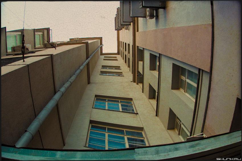...как пианист - закинув голову... - город дом окна небо фотошоп фото фотосайт