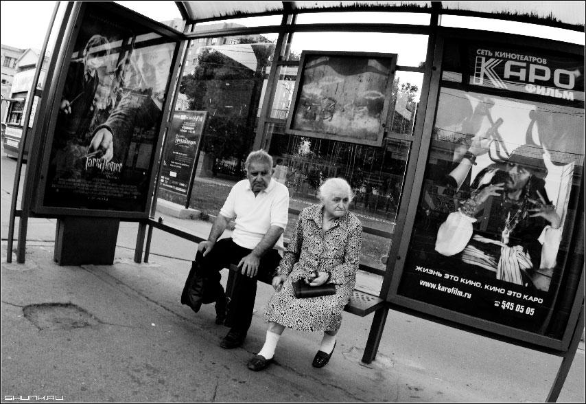 Жизнь - кино - остановка пожилая пара афиши фото фотосайт