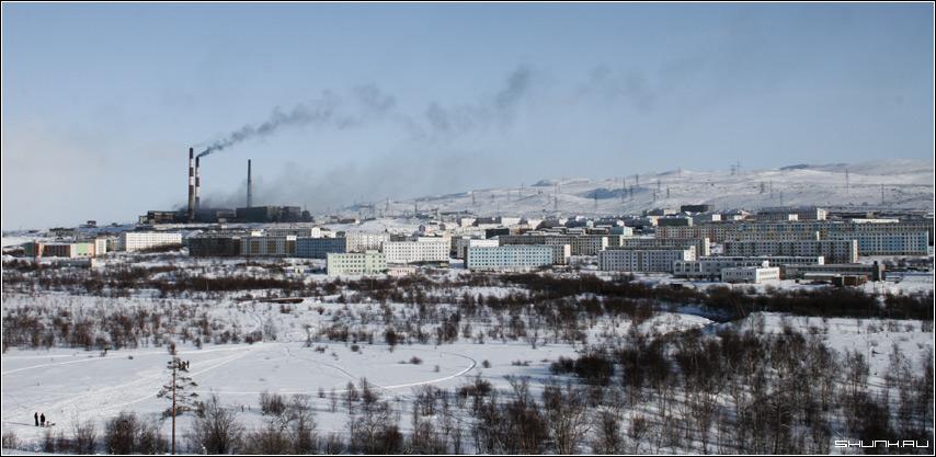 Дымит завод, дымит.... - никель зима город фото фотосайт