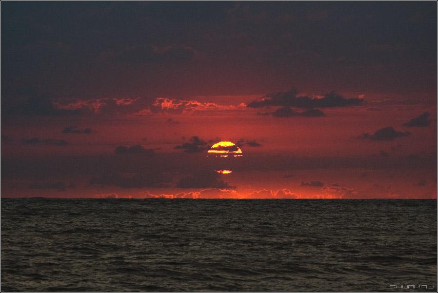 Безумный закат - сочи небо солнце закат море фото фотосайт