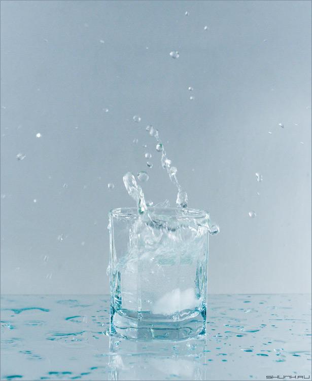Немного свежести - натюрморт стакан вода лед свет фото фотосайт