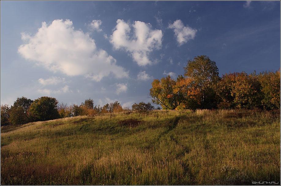Небо осени - осень холмы небо фото фотосайт