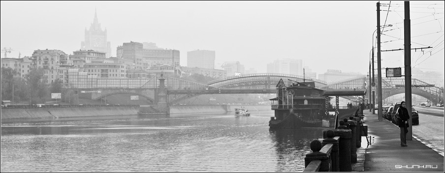 Город в тумане - набережная москва чб фото фотосайт.