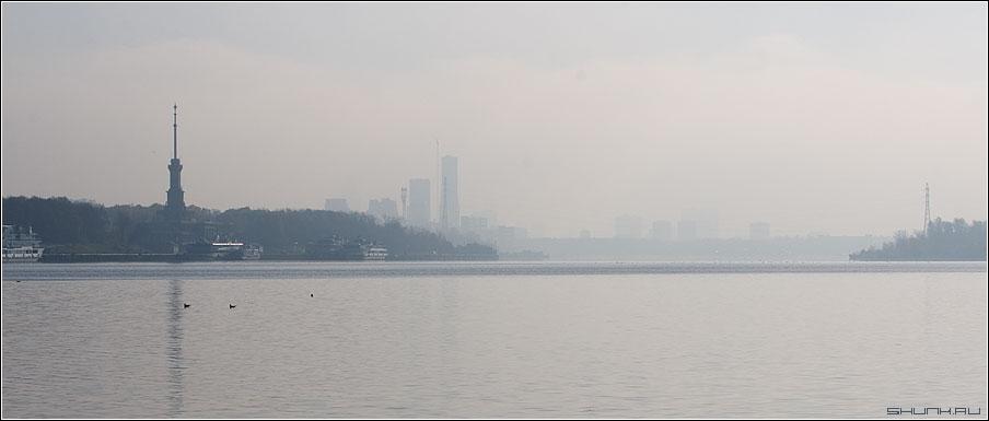 Речной порт в тумане - туман река москва порт речной вокзал фото фотосайт