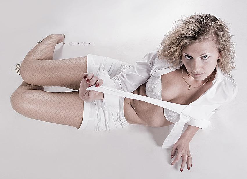 Завлекайся... - студия модель белое фото фотосайт
