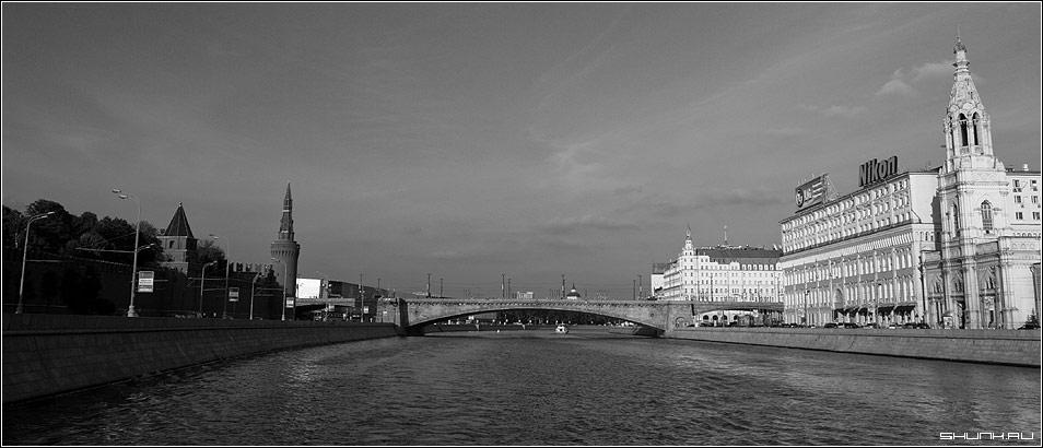 Черный берег, Белый берег - москва река москварека кремль чб чернобелое фото фотосайт