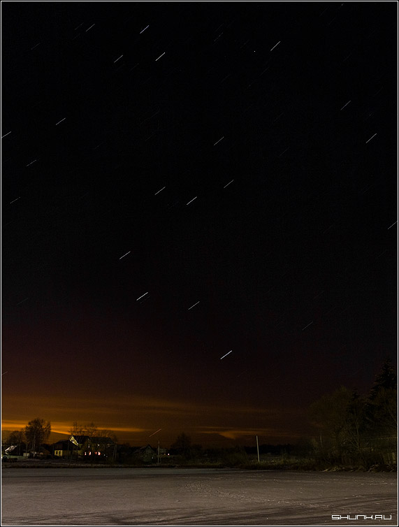 Зимний звездопад - деревня ночь звезды пруд небо фото фотосайт