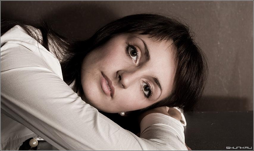 Что читаешь во взгляде? - студия анна модель свет портрет глаза фото фотосайт