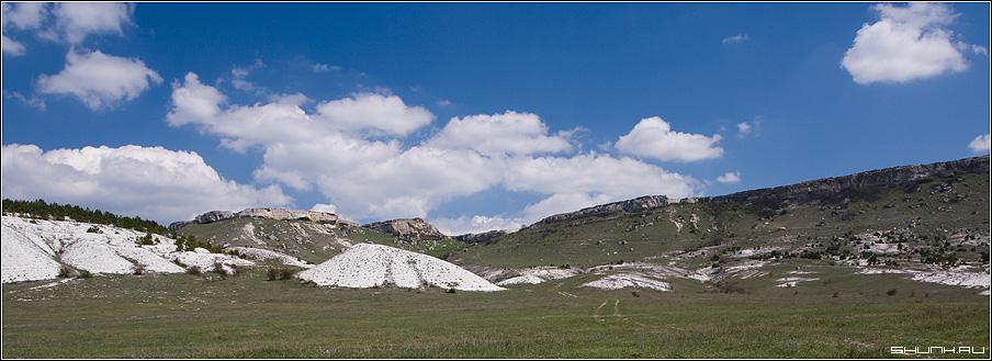 Панорама у белой скалы - скала белая весна крым фото фотосайт