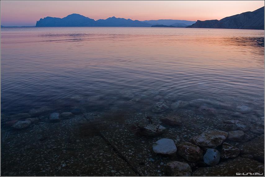 Подводные камни древнего вулкана - море черное кара-даг крым закат фото фотосайт