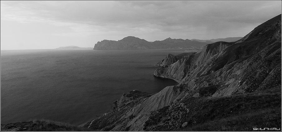 Чернобелый вид - крым кара-даг море черное сопки фото фотосайт
