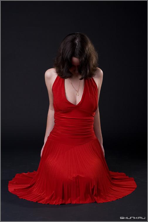 ...Я отвечу - добрый вечер, Мисс! - студия платье красный цвет кулон фото фотосайт