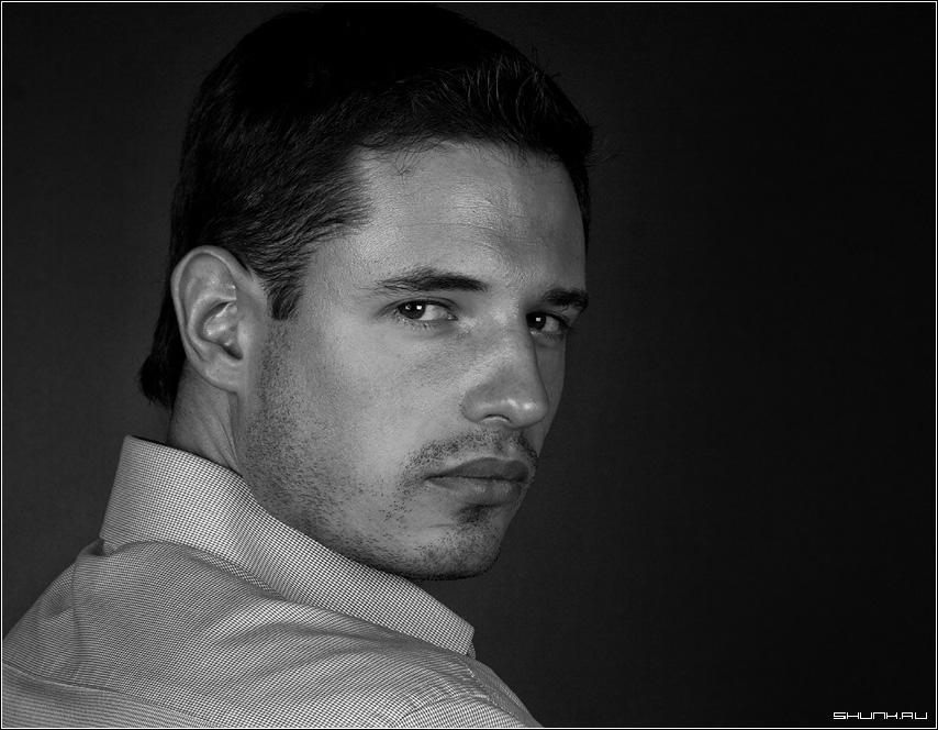 Мужской взгляд - портрет никита студия чернобелое взгляд фото фотосайт