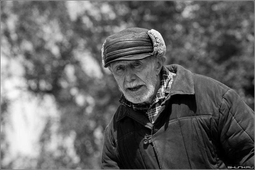 Старик - верея портрет старик чб чернобелое кепка глаза фото фотосайт