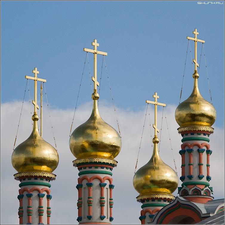 ...И ни крапа золота - купола церковь небо золотые золото квадрат фото фотосайт