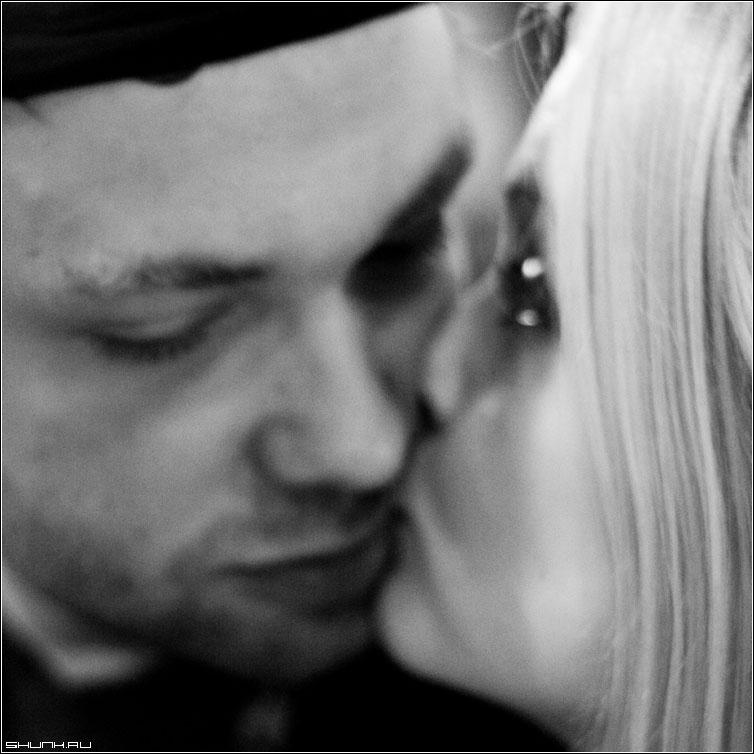поцелуи он и она картинки