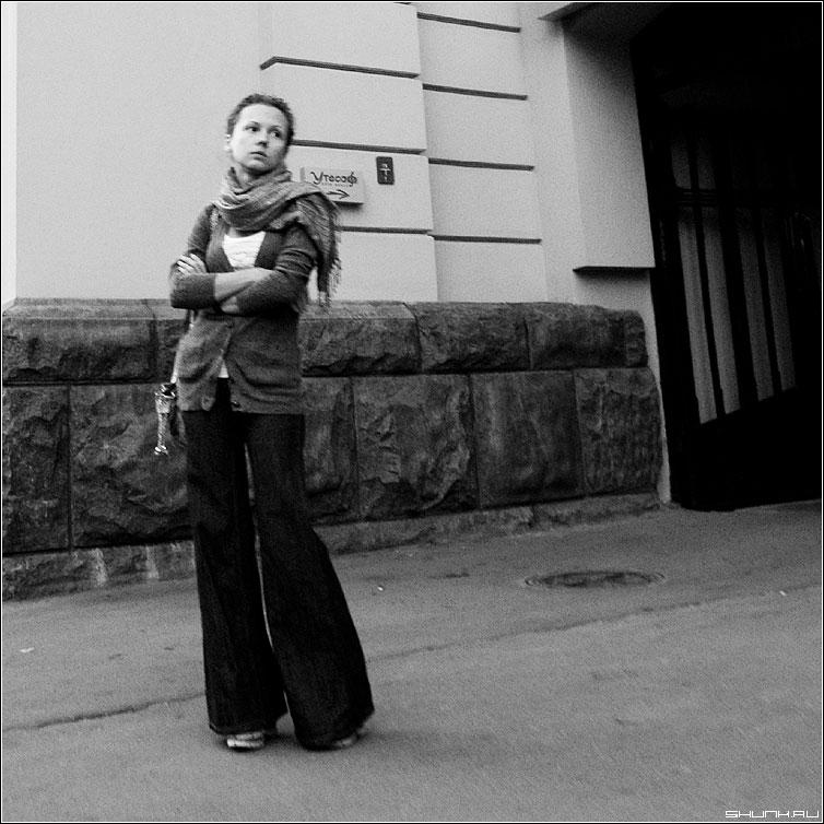 Ветер перемен - ветер перемены девушка улица квадрат случайное фото фотосайт
