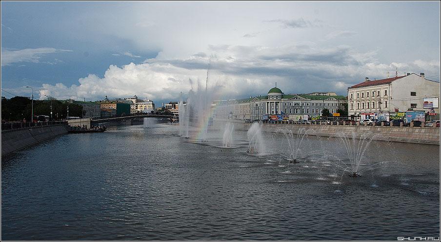 Вид с Малого Каменного моста - москва вид река город фонтаны фото фотосайт