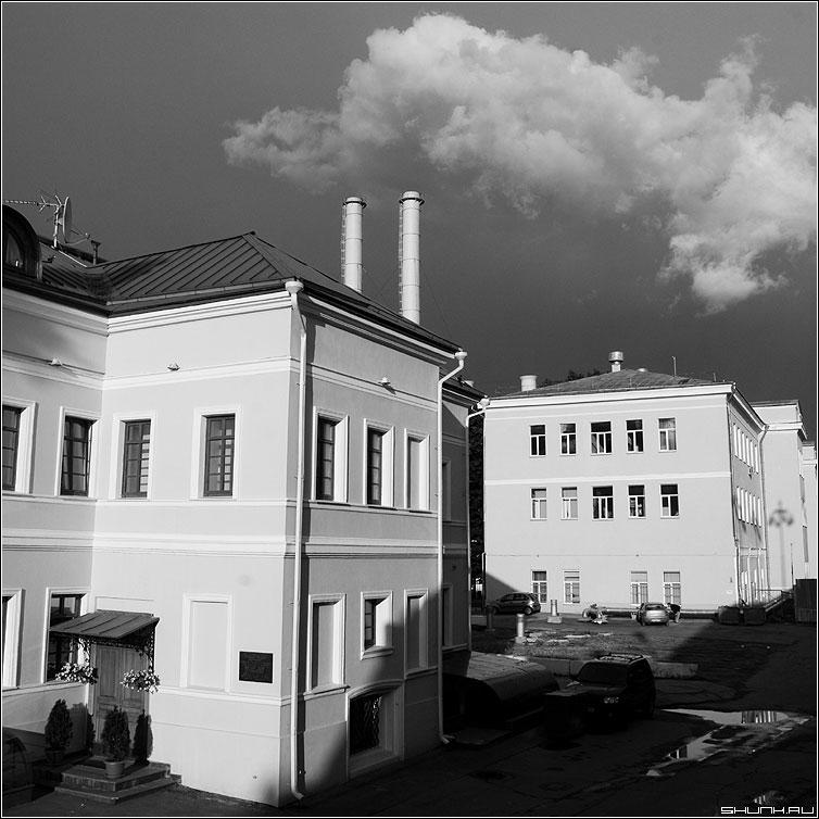 Про дымок - трубы город чернобелая квадрат москва город дома фото фотосайт