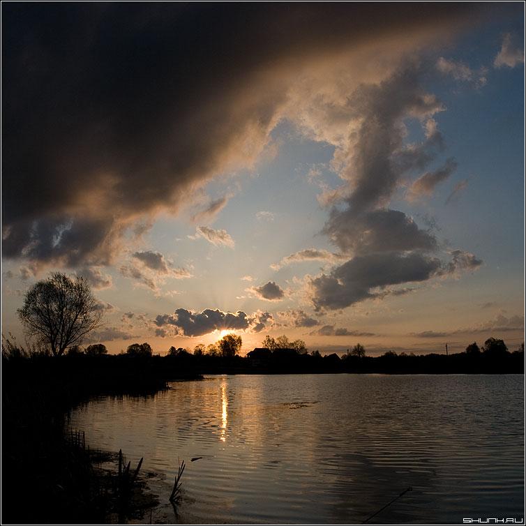 Восход в моей любимой деревне - деревня утро пруд восход квадрат туча фото фотосайт