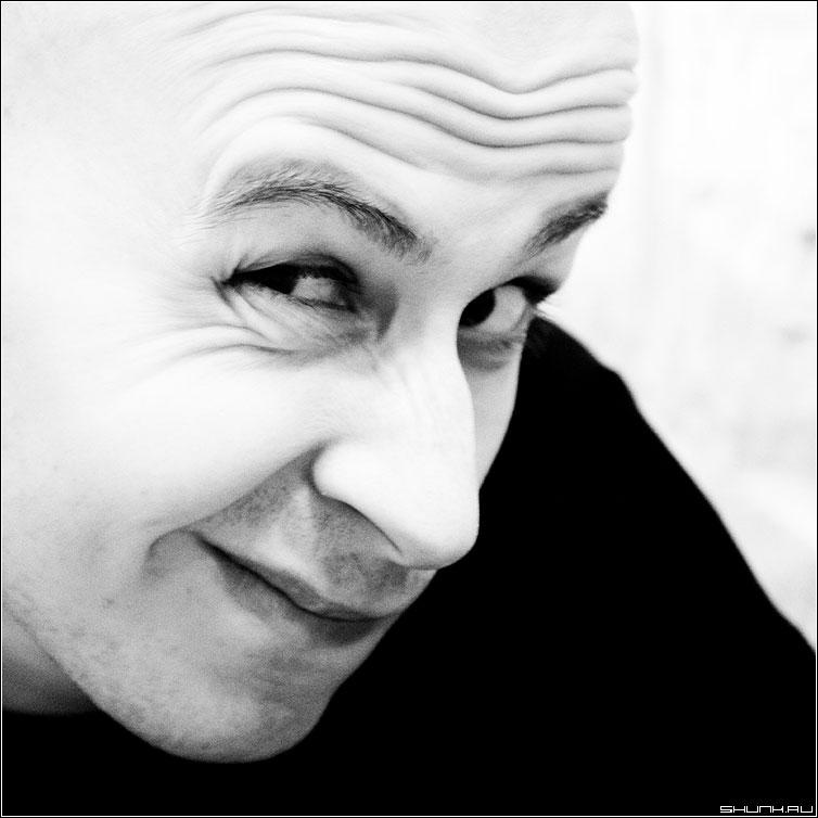 ЧертИК - серега чернобелая портрет квадрат мимика серж фото фотосайт