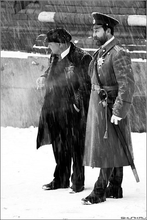 Николай да Володя - ленин романов манежко чернобелое зима снег фото фотосайт