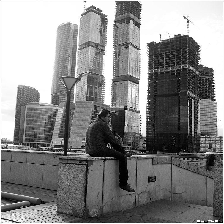 Квартирный вопрос - москва деловой центр человек чернобелая квадрат стройка фото фотосайт