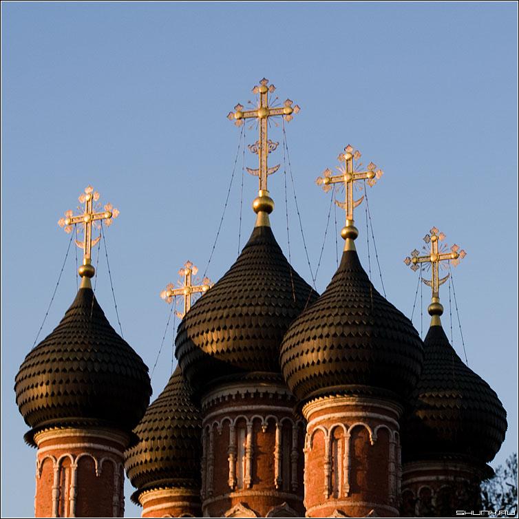Золотые купола - купола кресты церковь москва фото фотосайт