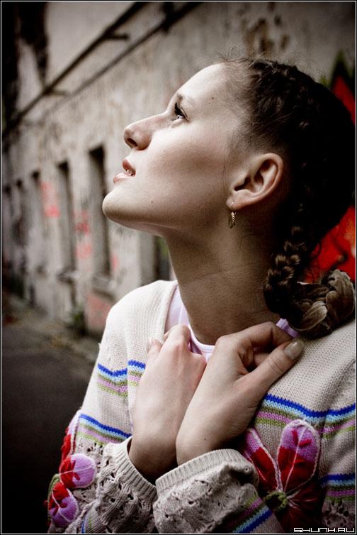 Холод - прогулка съемка девушка грусть портрет холод руки непогода фото фотосайт