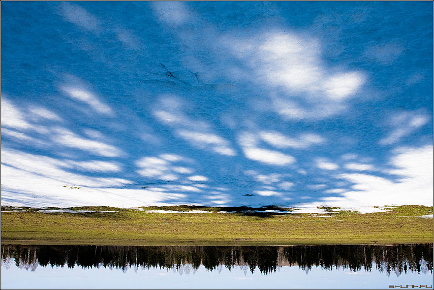 Небесный переворот - небо снег весна вверхногами фото фотосайт