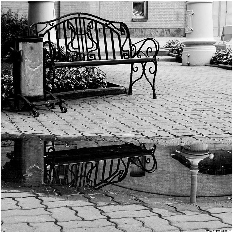 Лавочко - эрмитаж лавочка чернобелая квадрат фото фотосайт