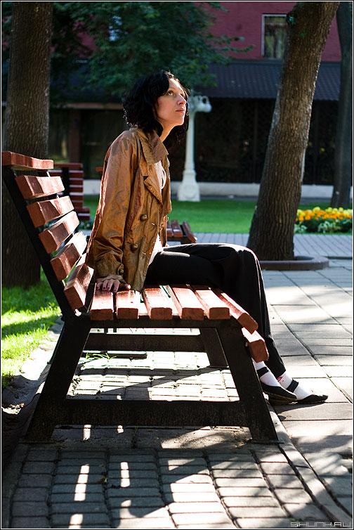 Утреннее - настроение лавочка парк эрмитаж девушка взгляд цвет фотопрогулка кэт фото фотосайт