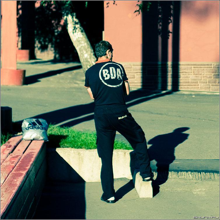BDA - эрмитаж утро человек тени цвет элементы фото фотосайт