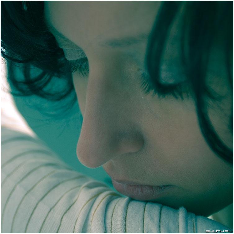 Грусть - портрет цвет квадрат нежность девушка кэт грусть фото фотосайт