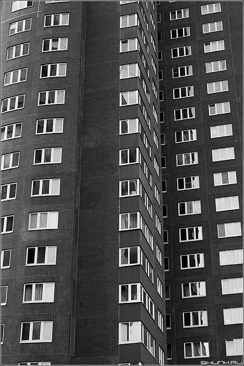 Предрассудок окон - стена окна дом здание предрассудок архитектура чб фото фотосайт